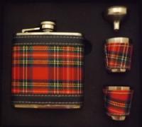 Royal Stewart 8 oz Hip Flask Set