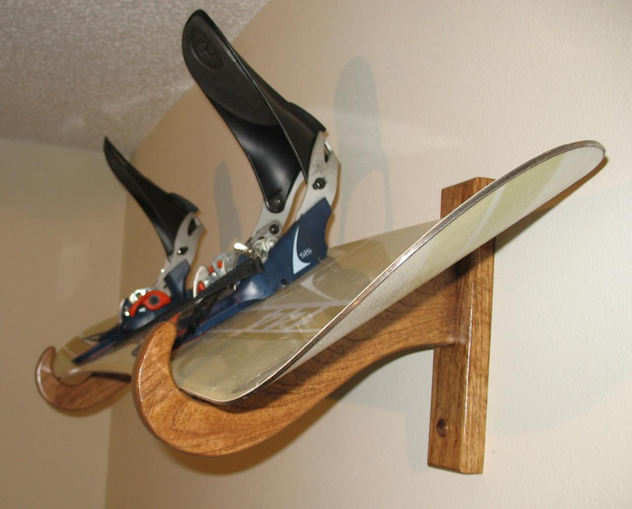 premium snowboard rack single