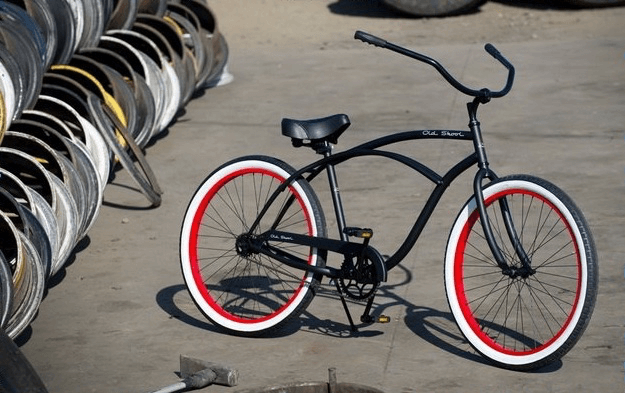 bicycle-old-skool-se-silver-red.png