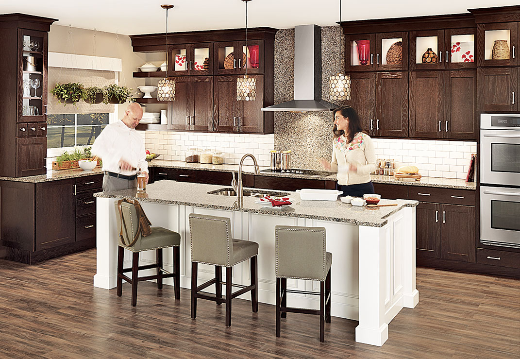 What Is A Kitchen Island With Pictures: Buying An Island