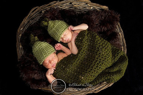 Knitted Twin Peas in a Pod Set