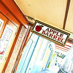 Apple Barrel // LA054