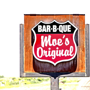 Moe's Original BBQ // DEN143