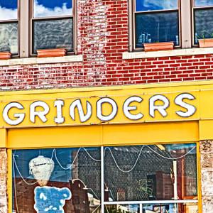 Grinders // MO100