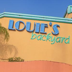 Louie's Backyard // SA172