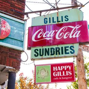 Happy Gillis // MO119