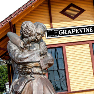 Grapevine Embrace // DTX154