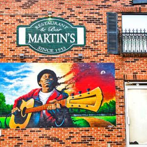Martin's // MS019