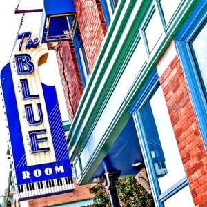 Blue Room // MO048