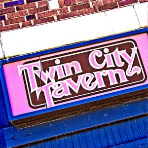 Twin City Tavern // MO094