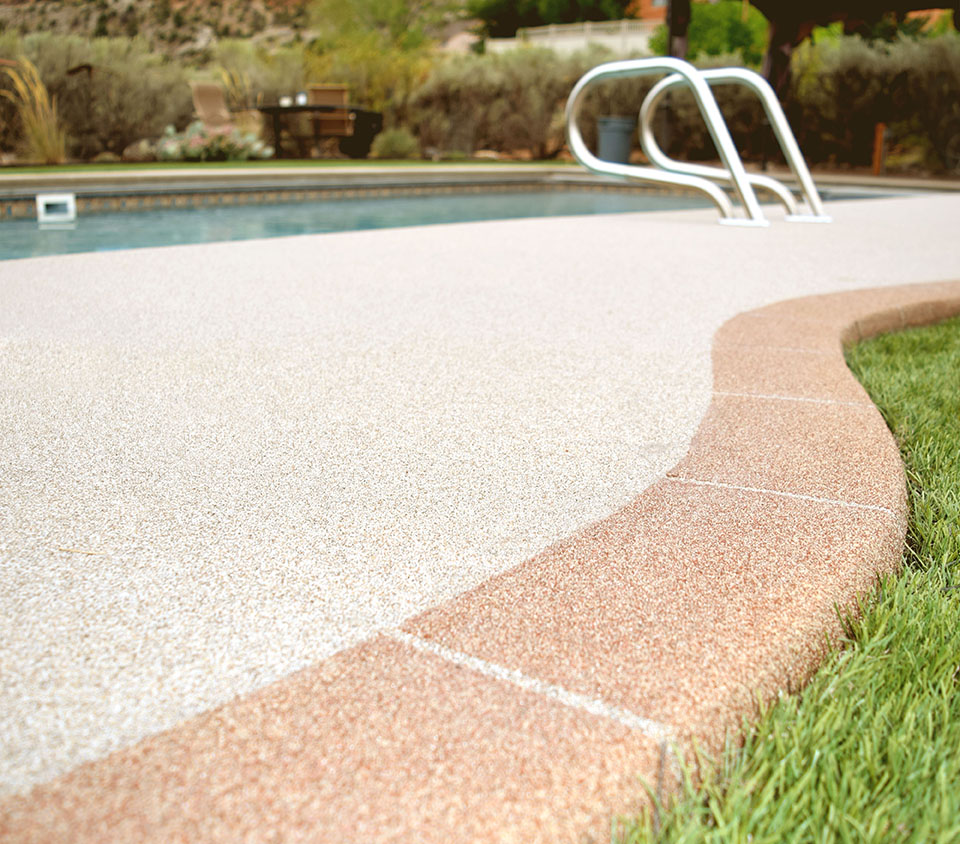 super-traxx-sand-coating-pool-surround.jpg