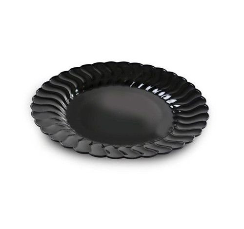 Elegant Flairware disposable products with scalloped edges are perfect for a classy dinner parties or weddings. These are made from heavyweight plastic. Sold in wholesale bulk and retail.