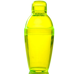 Quenchers 10 oz. Yellow Plastic Cocktail Shakers