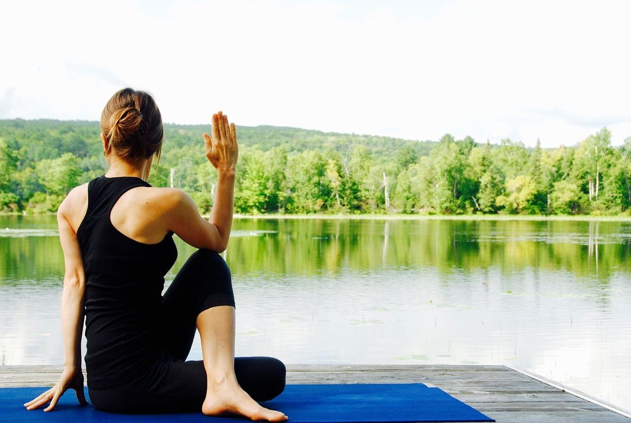 yoga-1812695-1280.jpg