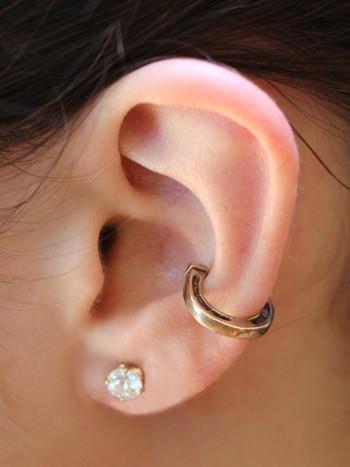 Good Luck Horseshoe Ear Cuff - Bronze