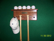 5 ball ,2 bats, 2 pegs for hat and glove  BB 517