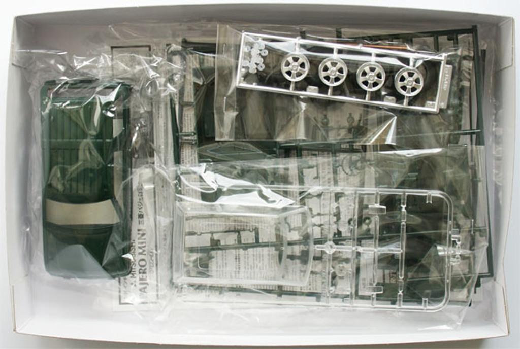 Fujimi ID-1 Mitsubishi Pajero Mini VR-II 1/24 Scale Kit