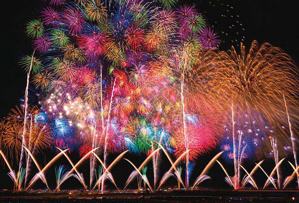 Beverly Jigsaw Puzzle 31-470 Big Fireworks Nagaoka Japan (1000 Pieces)