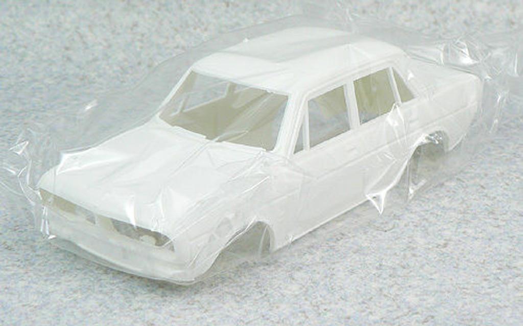 Doyusha NH23 Honda 1300S 99S (1970) 1/24 Scale Kit