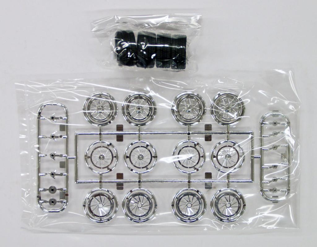 Fujimi TW13 Wire Mesh Silver Narrow Wheel 17 inch 1/24 Scale Kit