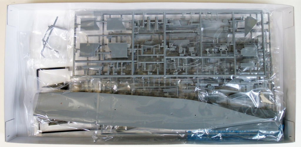 Fujimi SWM38 Aircraft Carrier CV-63 Kitty Hawk 1/700 Scale Kit