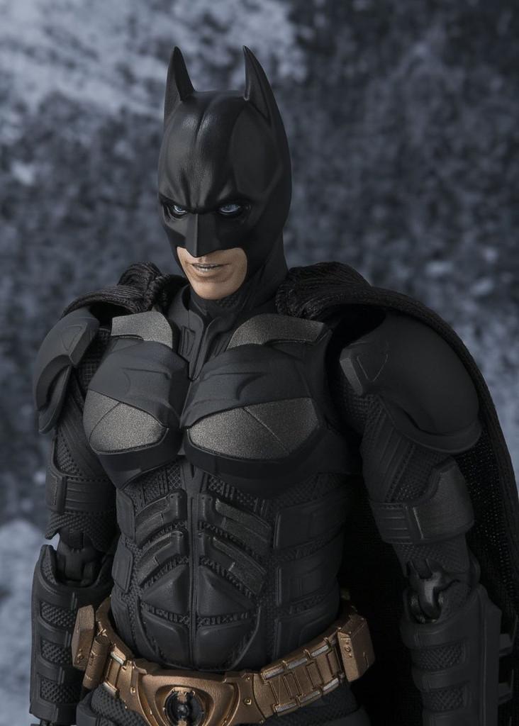 Bandai S.H. Figuarts Batman The Dark Knight Action Figure