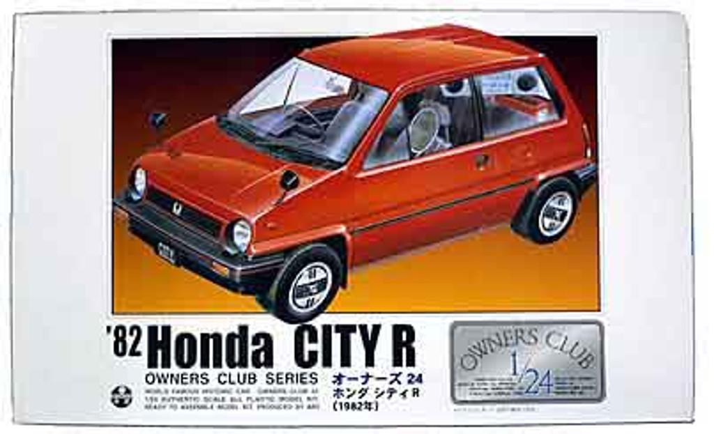 Arii Owners Club 1/24 13 1982 Honda City R 1/24 Scale Kit (Microace)