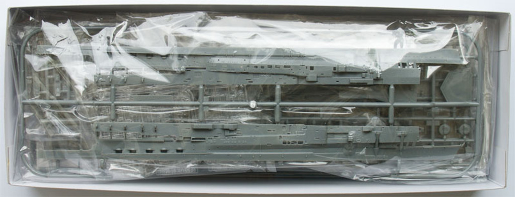Fujimi TOKU-48 IJN Aircraft Carrier Kaga 1/700 Scale Kit