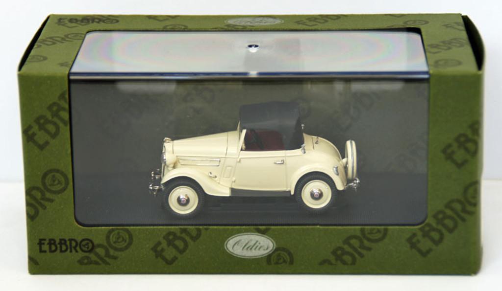 Ebbro 44537 Datsun 17 Roadstar 1938 (Ivory) 1/43 Scale