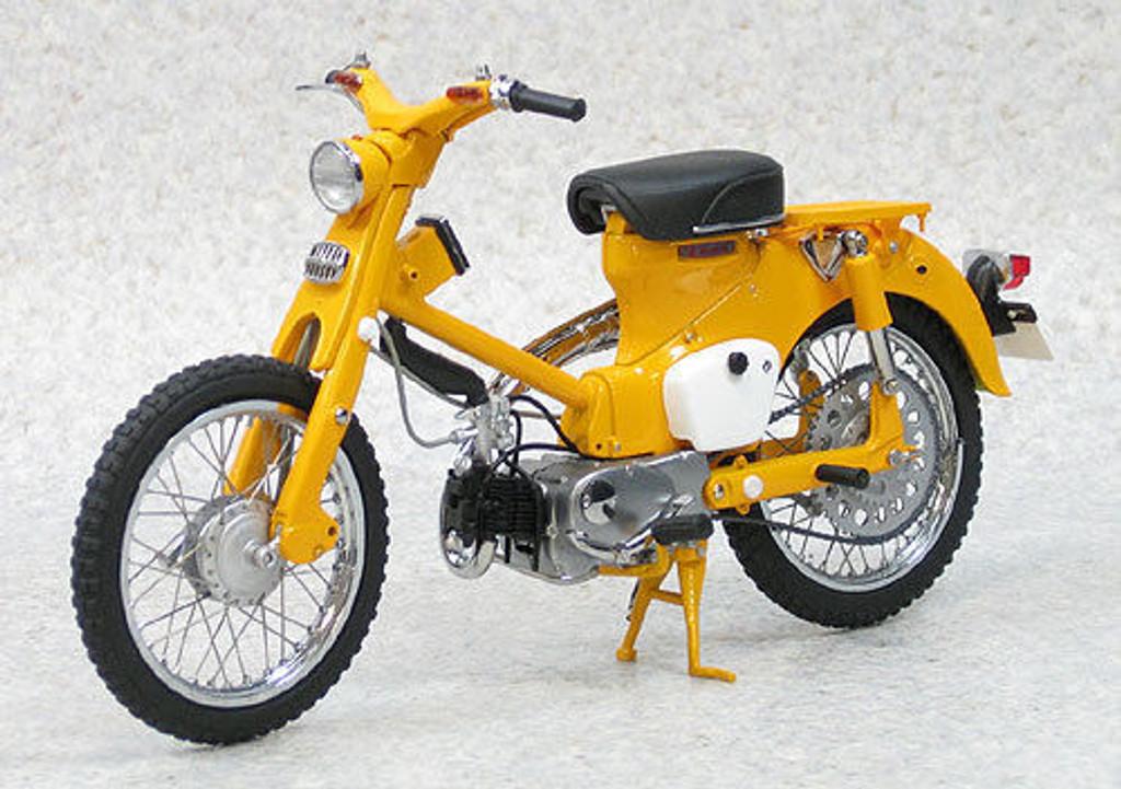 Ebbro 10025 Honda Hunter Cub CT100 (Yellow) 1/10 Scale