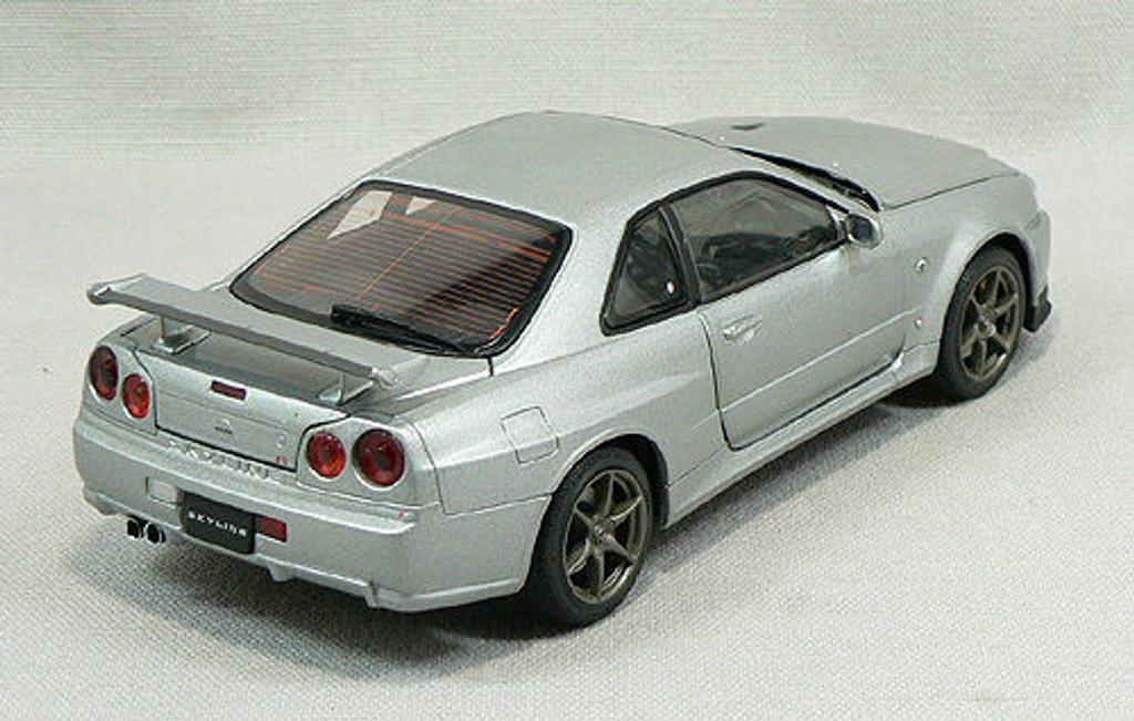 Ebbro 24017 Nissan Skyline GT-R R34 V SpecII (Silver) 1/24 Scale
