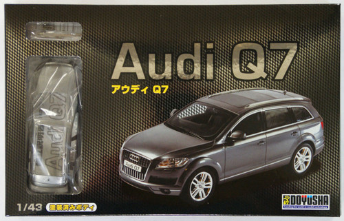 Doyusha 002346 Audi Q7 1/43 Scale plastic model Kit