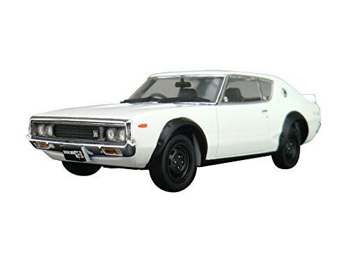 Aoshima DISM 80405 Nissan Skyline HT 2000GT-R White 1/43 Scale