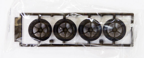 Fujimi TW21 BNR34 GT-R Wheel & Tire Set 18 inch 1/24 Scale Kit