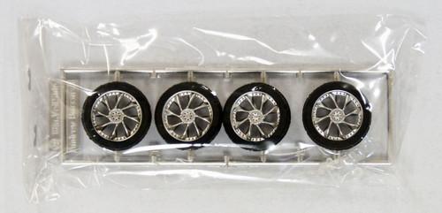 Fujimi TW33 Veilside Andrew Baccarat Wheel & Tire Set 18 inch 1/24 Scale Kit