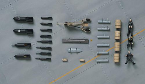 Hasegawa X48-9 LUFTWAFFE PILOT FIGURES & EQUIPMENTS SET W.W.II 1/48 Scale Kit