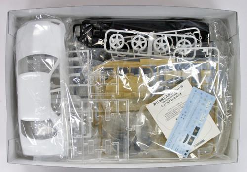 Aoshima 53546 Auto Couture UCF21 Celsior (Toyota) 1/24 scale kit