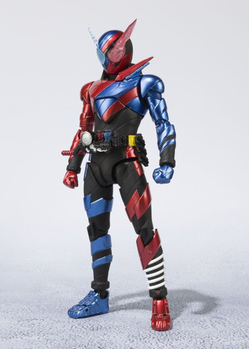 Bandai 198198 S.H. Figuarts Kamen Rider Build Rabbit Tank Form Figure