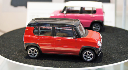 Aoshima 54147 Suzuki Hustler (Phoenix Red Pearl) 1/32 scale pre-painted model kit 4905083054147