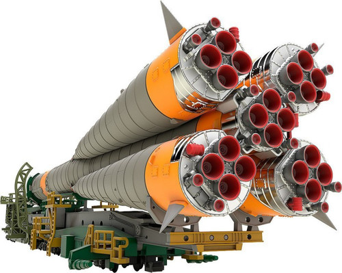 Good Smile Soyuz Rocket & Transport Train  1/150 Scale Plastic Model Kit