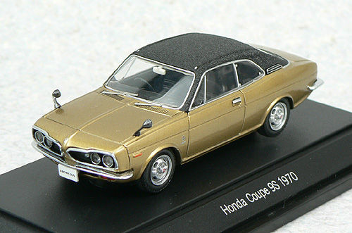 Ebbro 43512 Honda 1300 Coupe 9S 1970 Gold/Black 1/43 Scale