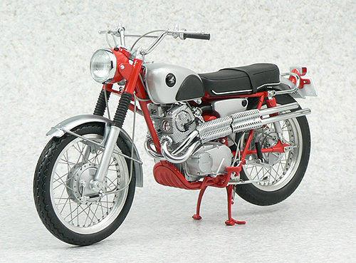Ebbro 10011 Honda CL72 Export 1962 1/10 Scale