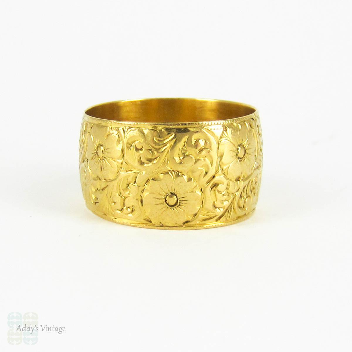 wide 22 carat gold engraved floral wedding ring vintage heavy flower pattern wedding band. Black Bedroom Furniture Sets. Home Design Ideas