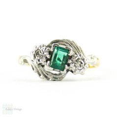 Art Deco Emerald & Diamond Engagement Ring, Bypass Style Twist Three Stone Ring with Engraved Setting. Circa 1930s, 18ct & PLAT.