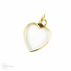 Edwardian 9ct Heart Locket, Double Sided Glass Photograph Locket in Love Heart Shape. England 1900s.