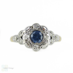 Art Deco Sapphire & Diamond Ring, Daisy Flower Shape Ring with Leaf Design Setting. 18ct & Platinum.