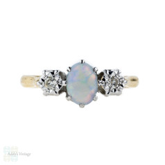 Opal & Diamond Three Stone Ring, Mid 20th Century 18ct Yellow Gold Vintage Ring.
