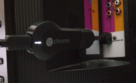 Chromecast connected to TV with power
