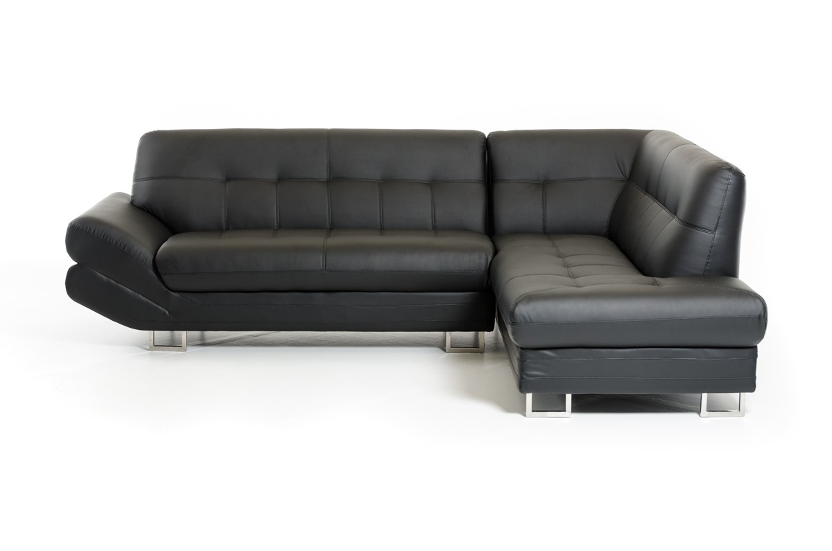 Thie Arianna Nero is a contemporary sofa sectional that is a perfect choice for any home.