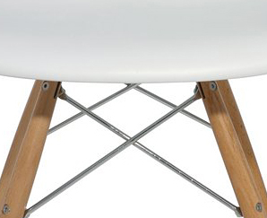 the earnest dining chair in white